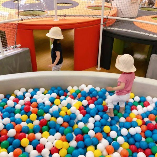 キッズスペースのボールプール