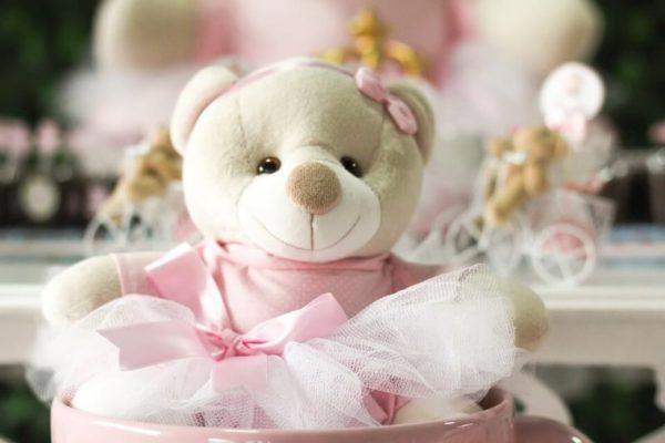 2歳の誕生日プレゼントにおすすめのおもちゃ6選!【知育玩具・三輪車・服・おしゃれ道具】男の子/女の子別にご紹介