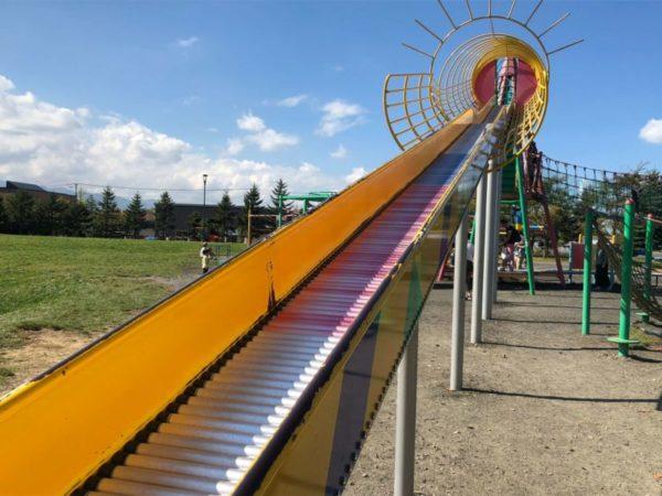 【屯田公園】幼児が1日遊べる大型公園!長い滑り台にロイズのパンで大満足【アクセス・お祭り情報も】