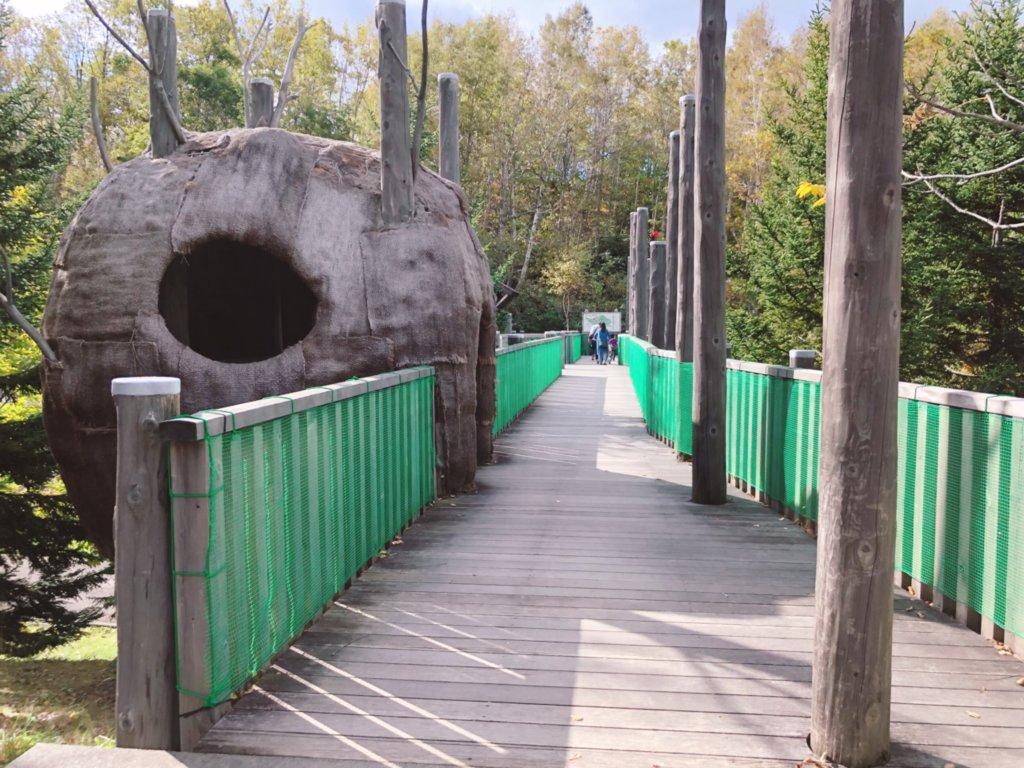 滝野すずらん丘陵公園のアスレチックへの入り口