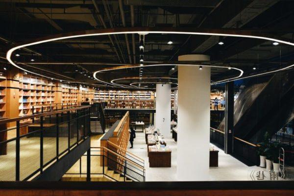 おしゃれな本棚や本の陳列