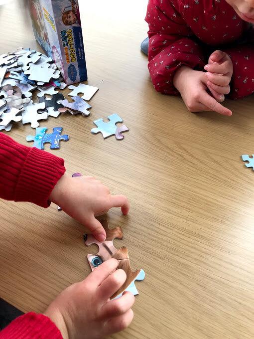 【おすすめ知育玩具】パズルの遊び方や効果を紹介します。色んな種類のパズルも